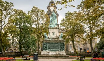 Photograph of Lancaster Town Hall and the Queen Victoria Memorial, Dalton Square, Lancaster.
