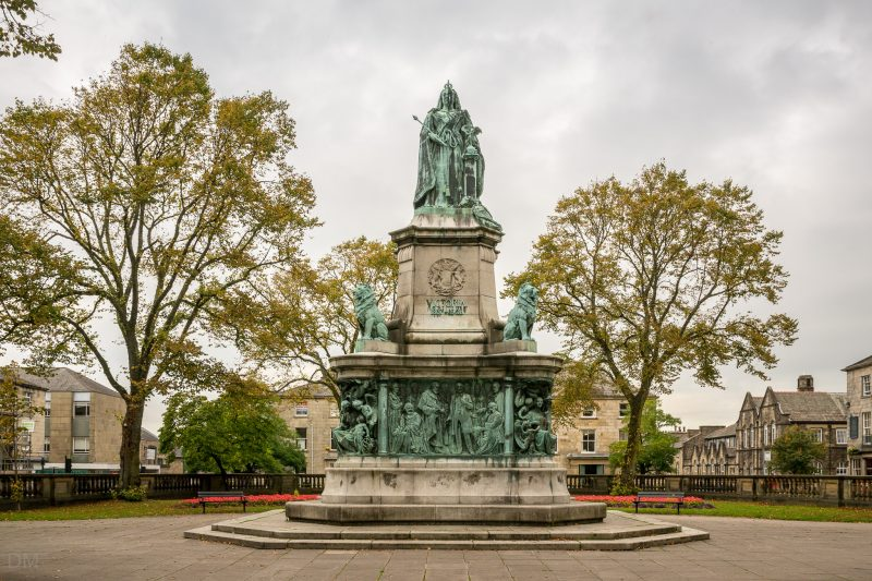Photograph of the Queen Victoria Memorial on Dalton Square in Lancaster. It was designed by Herbert Hampton and erected in 1906.