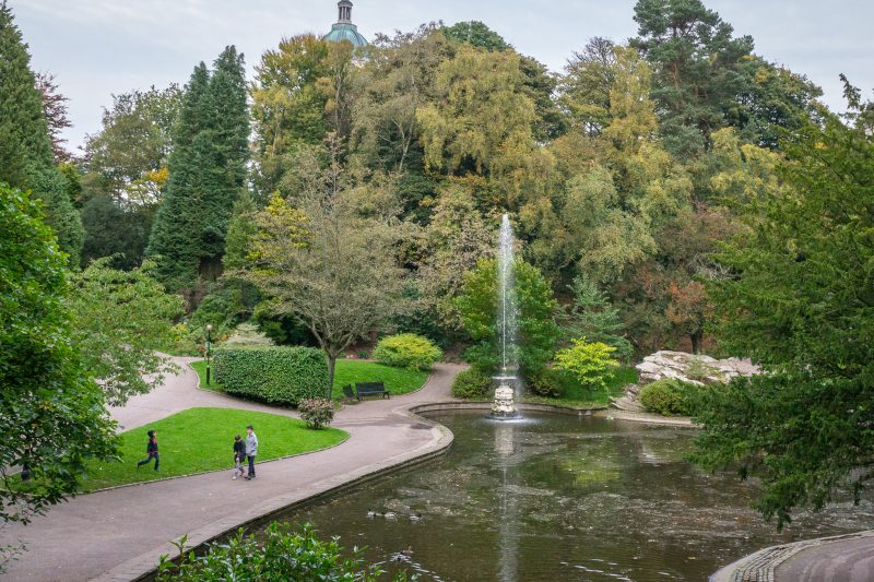 Photograph of the fountain and lake at Williamson Park in Lancaster.